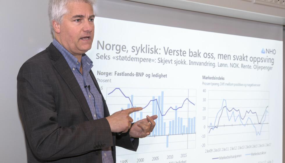 ALVORLIG: NHOs sjeføkonomi Øystein Dørum. Foto: Terje Pedersen / NTB scanpix