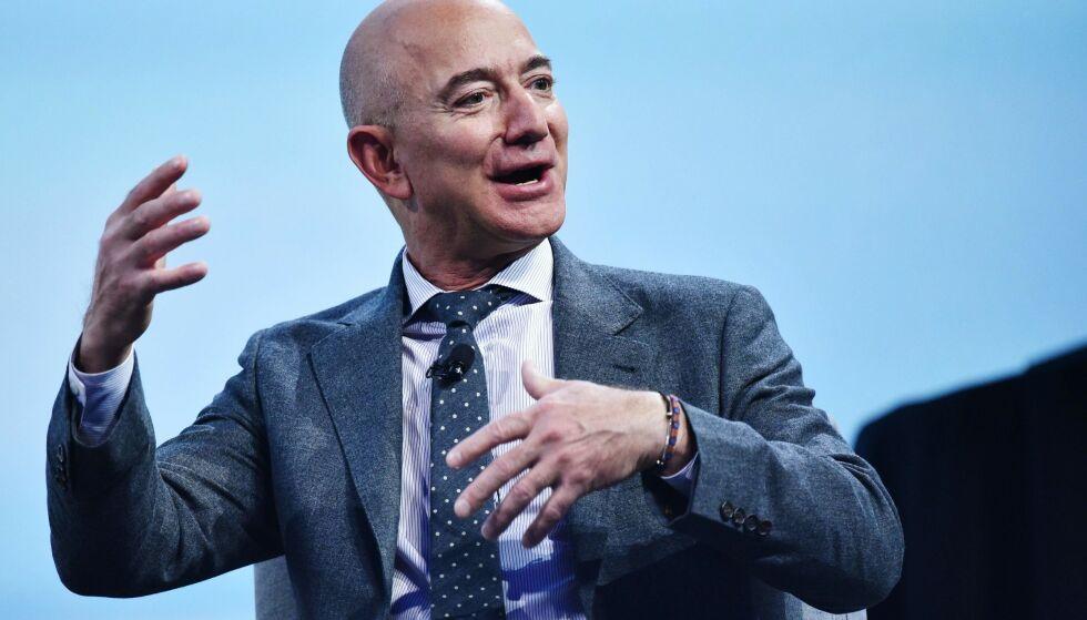 HACKET: For halvannet år siden ble Jeff Bezos telefon hacket. Nå hevder kilder at det er kronprins Mohammed bin Salman som står bak. Foto: NTB Scanpix