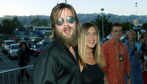 <strong>DEN GANG DA:</strong> Brad Pitt i 2002, med sin daværende kjæreste Jennifer Aniston. Foto: NTB Scanpix