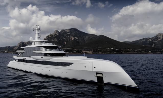 <strong>SIKTER HØYT:</strong> Luksusyachten på 80 meter har med sitt frontdesign blitt sammenliknet med et romskip. Foto: Guillaume Plisson / Abeking &amp; Rasmussen