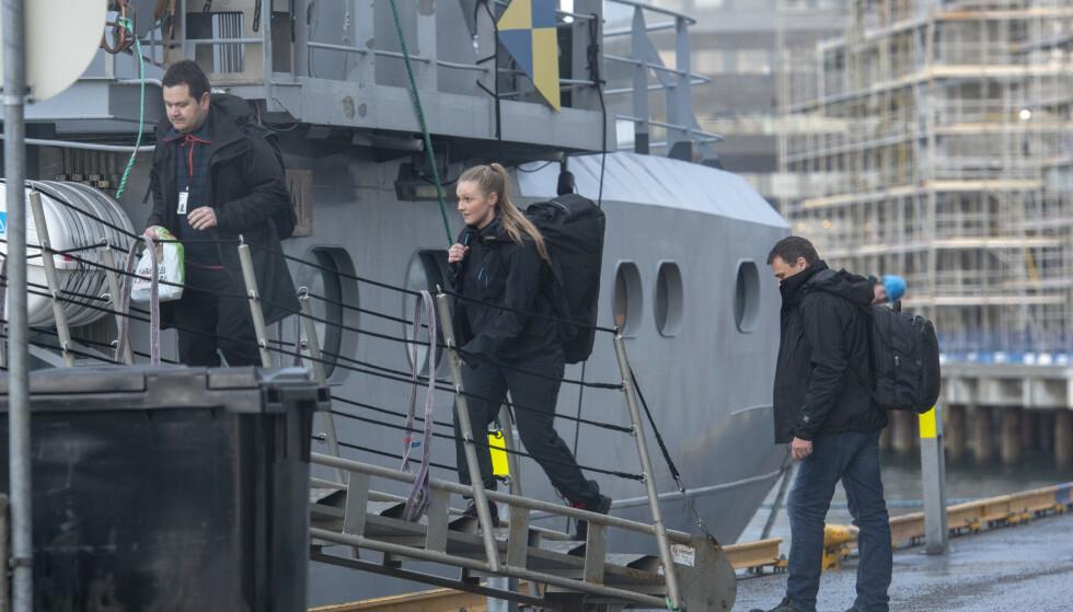 AKSJON MOT FISKEKRIM: I mars i år dro A-krimsenteret i Bodø ut med kystvaktskipet «KV Heimdal» på aksjon i havgapet. De besøkte en rekke fiskebruk og fant tildels graverende forhold. Foto: Kent Even Grundstad