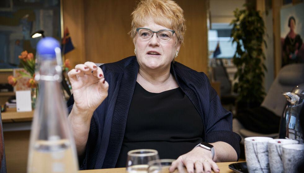 RISTER PÅ HODET: Kulturminister Trine Skei Grande mener herreklubben Norske Selskab framstår komisk. Foto: Lars Eivind Bones / Dagbladet