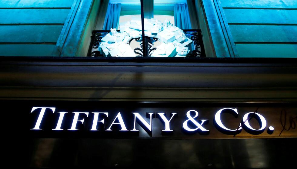 SOLGT: Den franske luksusgiganten Louis Vuitton Moët Hennessy-gruppen (LVMH) opplyser i en uttalelse at selskapet har landet en avtale om å kjøpe det amerikanske smykkeselskapet Tiffany & Co. Foto: Gonzalo Fuentes / Reuters / NTB Scanpix
