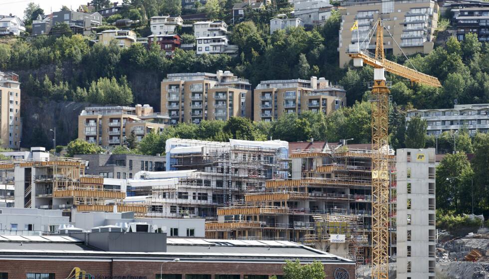 <strong>FLERE SÅRBARE:</strong> Det er flere sårbare boliglånstakere i Norge, ifølge Finanstilsynet. Her nye og gamle boliger i Kværnerbyen i Oslo. Foto: Gorm Kallestad / NTB scanpix