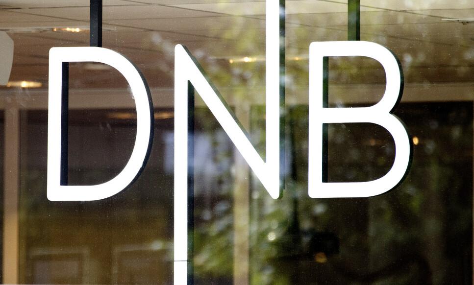 NEDTUR: DNB-aksjen er rett ned fra start på Oslo Børs dagen etter at Økokrim varslet etterforskning av storbanken. Foto: Gorm Kallestad, NTB scanpix