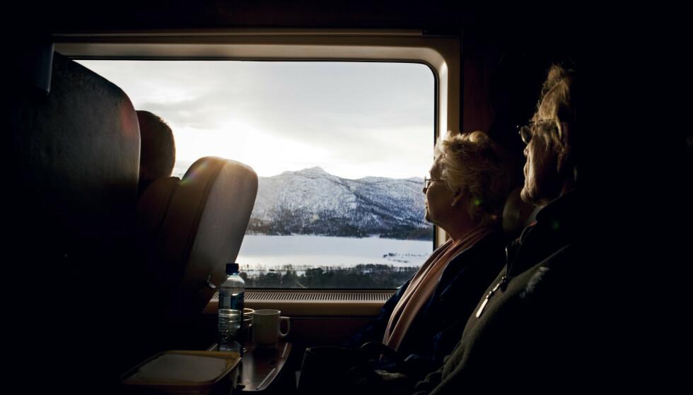 VAKKER REISE: Bergensbanen har forbundet Bergen og Oslo siden 1909, og har sitt høyeste punkt ved Finse stasjon. Bildet er tatt ved Gol, på vei mot Bergen. Foto: Tore Meek/NTB Scanpix