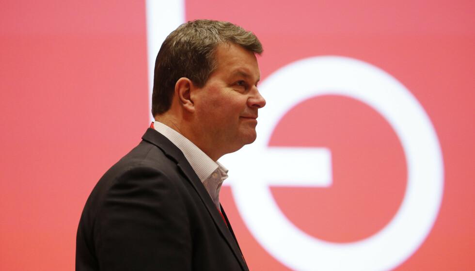 <strong>«UHELDIG»:</strong> Hans-Christian Gabrielsen raste mot skyhøye lederlønninger, men ga selv tenketanksjef 15,9 prosent lønnsøkning. Foto: Cornelius Poppe / NTB scanpix