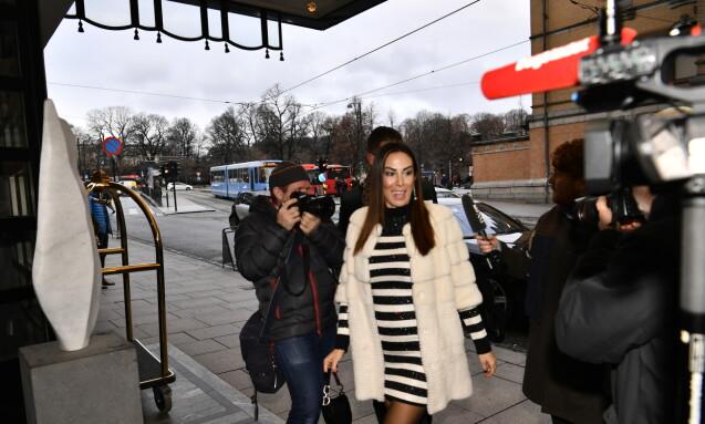 PYNTET TIL FEST: Gjestene ankommer Theatercaféen i Oslo. Foto: Lars Eivind Bones / Dagbladet