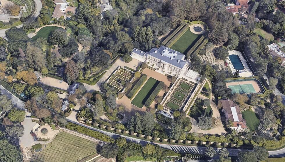 KOSTBART: Chartwell-eiendommen i Bel-Air i Los Angeles er solgt som Californias dyreste bolig for 150 millioner dollar. Foto: Google
