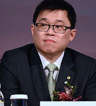 Chang Kuo-wei er mannen bak Starlux. Her fra en kontraktssignering med Airbus i mars i år. Foto: Sam Yeh / AFP / NTB Scanpix