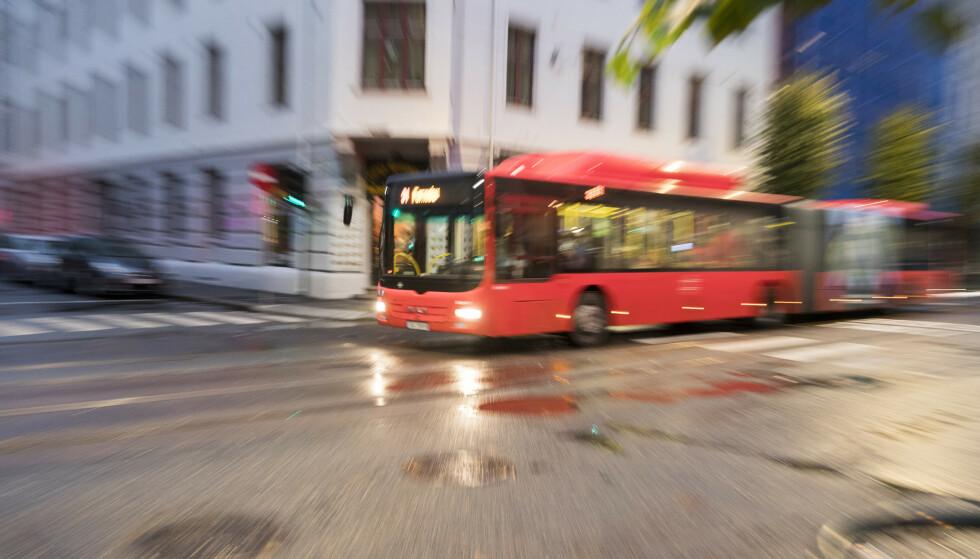 STERK ØKNING: Spesielt busstransport er i sterk økning, og bidrar til løft i antall reisende i kollektivtransporten. Foto: Terje Pedersen / NTB scanpix