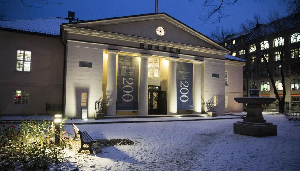 <strong>VINNER OG TAPER:</strong> Hovedindeksen på Oslo Børs har gått opp 15,4 prosent i 2019. DNB trekker mest opp, mens Norsk Hydro har trukket mest ned. Foto: Terje Pedersen / NTB scanpix