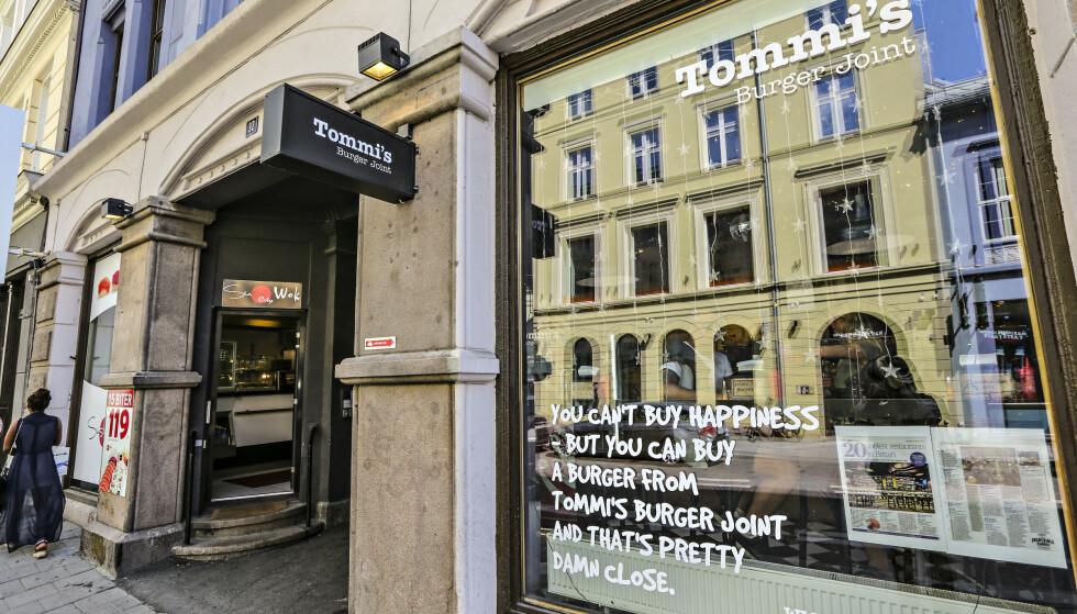 <strong>KJEMPEGJELD:</strong> Fire år etter at Tommi's Burger Joint først begynte å selge fastfood i Oslo, er det kroken på døra for burgerkjeden i Norge. Foto: Ørn E. Borgen / AFTENPOSTEN