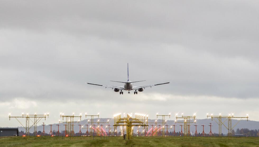 KRITIKK: Stortingspolitikere retter krass miljøkritikk mot Avinor, for støtteordninger for flyselskaper. Illustrasjonsfoto: Paul Kleiven / NTB scanpix
