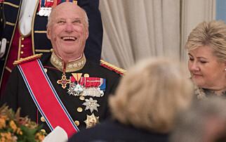 Erna Solberg forsvarer kongelig åpning av gigantfelt