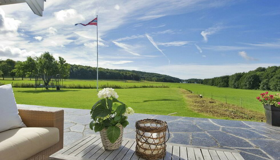 <strong>LANDLIG:</strong> Eiendommen er på over 2600 mål, og inkluderer blant annet en 18-hulls golfbane. Foto: Koppang landbruk