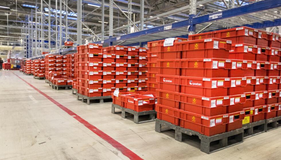 REDDES: Mer enn 150 arbeidsplasser i Posten er reddet etter at Posten vant anbud om å distribuere aviser. Foto: Gorm Kallestad / NTB scanpix