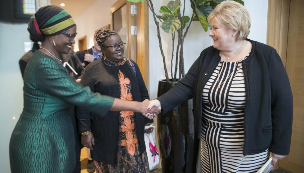 MØTTES: Njoki Njehu (i midten) møtte statsminister Erna Solberg i 2018. Foto: Vidar Ruud / NTB Scanpix