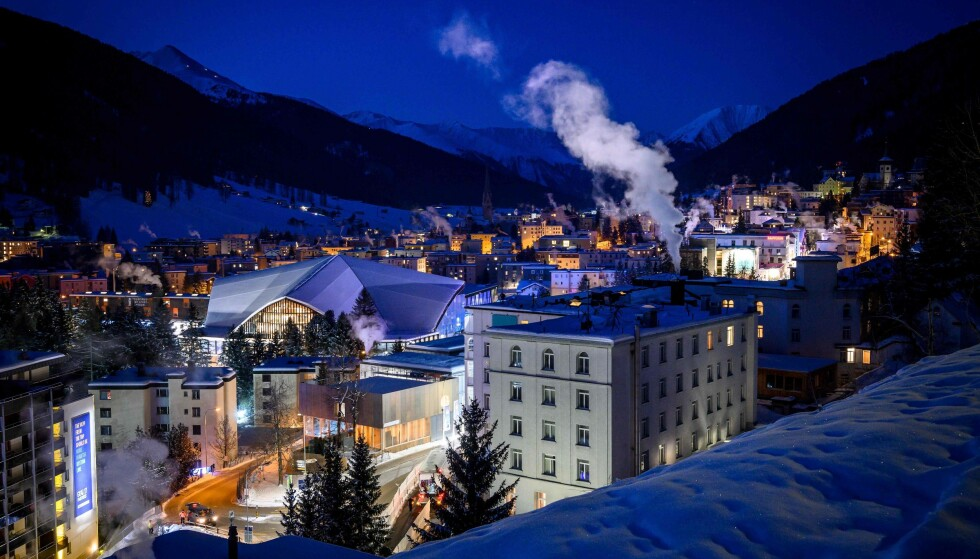FYLLES MED MILLIARDÆRER: Det er en del resten av året også, men denne uka går milliardærtettheten ytterligere opp i skibygda Davos i Sveits. Foto: Fabrice COFFRINI / AFP / NTB scanpix