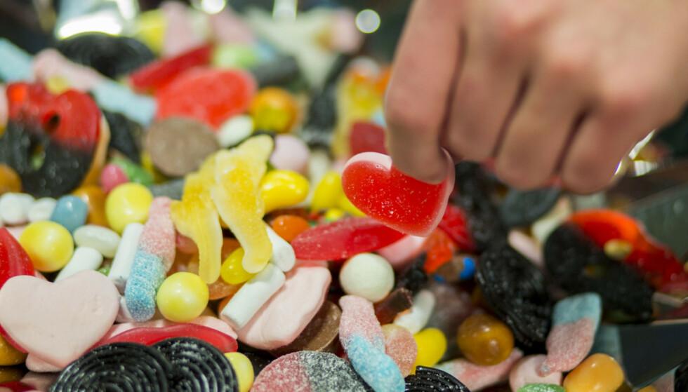 AVVIKLES: Fordi Maxgodis slapp unna norske avgifter på sukker og sjokolade, kunne nettbutikken selge søtsaker betydelig billigere enn norske forhandlere. Og så lenge man handlet for under 350 kroner, kunne det importeres fritt. Foto: NTB Scanpix