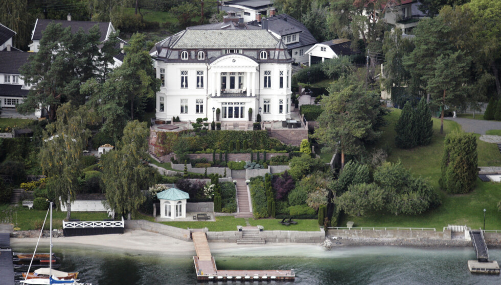 VILLA: Slik ser villaen til hotellkongen Petter Stordalen i Christian Benneches vei 6 på  Bygdøy ut fra lufta. Foto: Cornelius Poppe / NTB scanpix