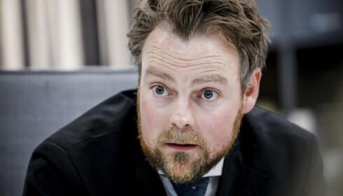 <strong>SVARER:</strong> - Drøye påstander, mener arbeidsminister Torbjørn Røe Isaksen (H) om Fagforbundets kritikk av statsminister Erna Solberg (H).