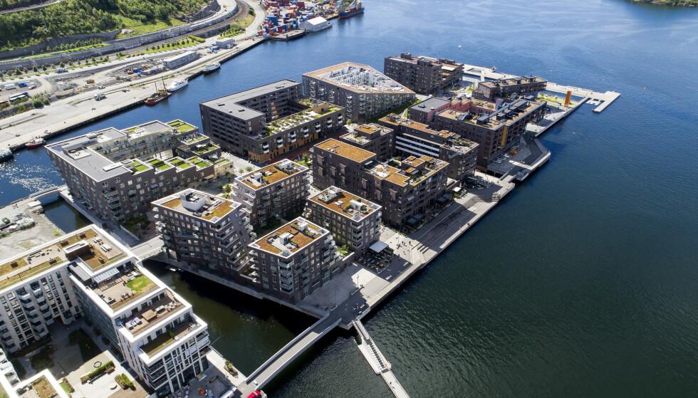 <strong>SKREKKELIG VARMT:</strong> Det har vært stor boligutvikling på Sørenga i Oslo de siste åra. I ett av prosjektene har det oppstått rettslig strid. Foto: NTB Scanpix