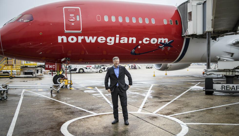 KONSERNSJEF: Konsernsjef i flyselskapet Norwegian ASA, Jacob Schram besøker selskapets base på Gatwick flyplass utenfor London. Foto: Ole Berg-Rusten / NTB scanpix
