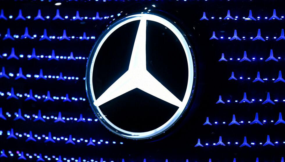 BEKYMRET: Mercedes-Benz og moderselskapet Daimler fikk i mai i fjor en svensk toppsjef i Ola Källenius. Det er lagt opp til at svenskens forgjenger skal gjøre comeback, men nå er investorene bekymra. Foto: Andreas Gebert / Reuters / NTB Scanpix