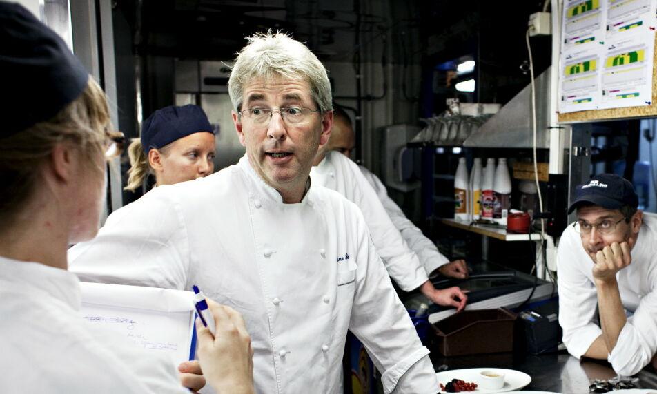 FORBAUSET: Bak Michelin-stjernene ligger det gjerne flere tusen timers arbeid. Den anerkjente kokken Arne Brimi er blant flere som reagerer på lønnsnivået i bransjen. Foto: Nina Hansen / Dagbladet