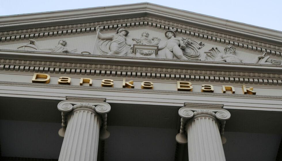 TAR GREP: Danske Bank søker mer luft i budsjettet, og kvitter seg nå med flere hundre ansatte. Foto: REUTERS/Nikolaj Skydsgaard/File Photo
