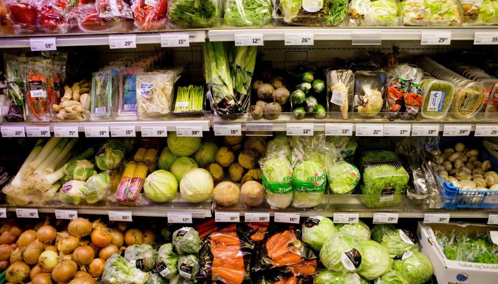 HAMSTRING: Dagligvarebransjen er forberedt på at kunder kan komme til å hamstre varer i forbindelse med utbredelse av coronaviruset. Foto: Tore Meek / Scanpix