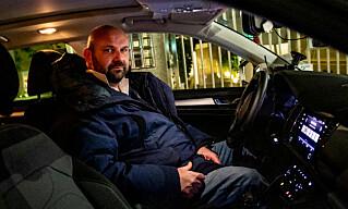 OPPGITT: Drosjesjåfør Alessandro sier halvparten av kundene er borte som følge av coronafrykten. Foto: Christian Roth Christensen / Dagbladet