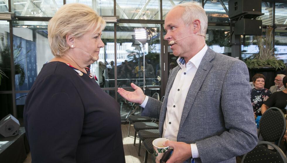 Finansminister Jan Tore Sanner og statsminister Erna Solberg (H) møter tirsdag pressen for å gi regjeringens vurdering av de økonomiske konsekvensene av koronautbruddet. Foto: Terje Pedersen / NTB scanpix