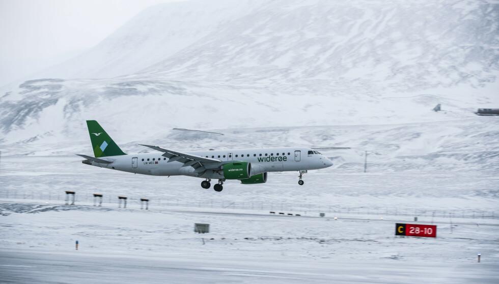 KUTTER AVGANGER: Flyselskapet Widerøe kutter 1.500 flyavganger fram til 31. mai. Foto: Lise Åserud / NTB scanpix