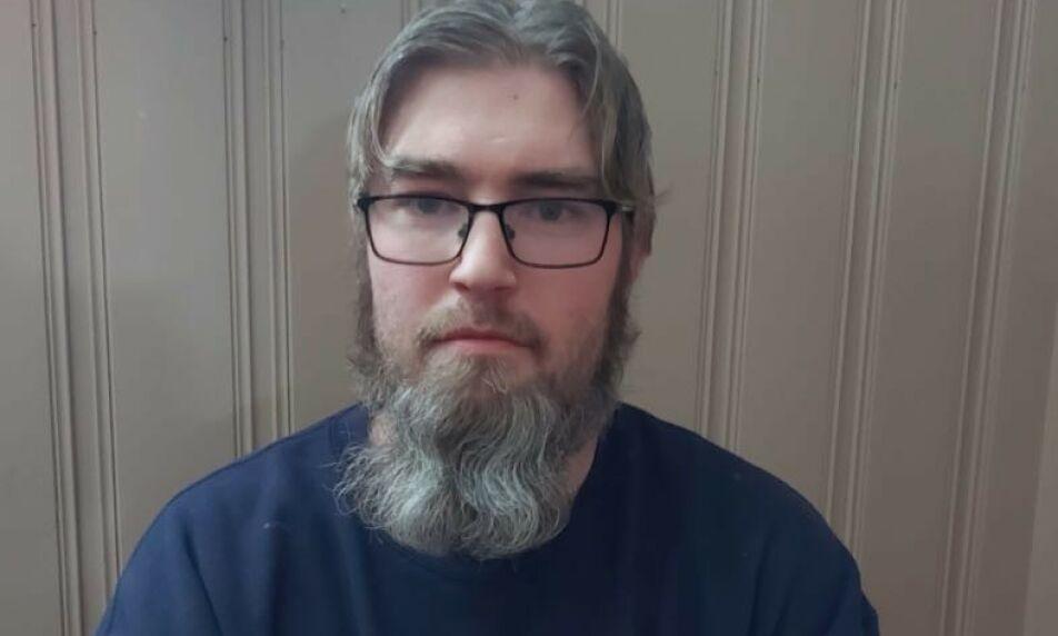 - DRAMATISK: Ivar Sørli driver eget rørleggerfirma. Han mener småbedrifter som hans egen nå går en mørk tid i møte. Foto: Privat