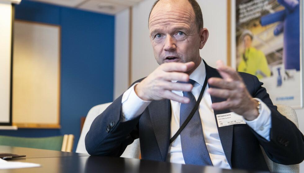 GODT FORNØYD: Ole Erik Almlid skryter av Stortingets lederskap etter at opposisjonen og regjeringen ble enige om en krisepakke. Foto: Lars Eivind Bones / Dagbladet