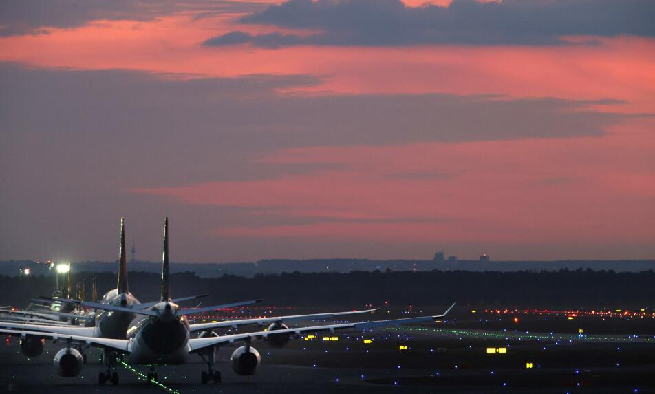 FULL STANS: Lufthansa setter over 90 prosent av flyene på bakken. Foto: Kai Pfaffenbach / Reuters / NTB Scanpix