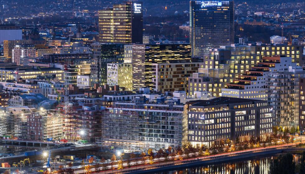 - MÅ KOMME RASKT: Stortinget ber om at bankene raskt innfører rentekutt som følge av koronakrisen.  Foto: Stian Schløsser Møller / Samfoto / NTB Scanpix