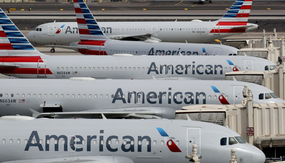 <strong>KRISE:</strong> Med 945 fly har American Airlines den største flåten av alle verdens flyselskaper. Koronakrise og reiserestriksjoner betyr at en lang rekke ruter er innstilt. Illustrasjonsfoto: Matt York / AP / NTB scanpix