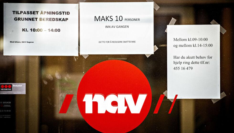 STOR ØKNING: Mandag fikk Nav 5800 nye søknader om dagpenger. Til sammen har mer enn 400 000 nordmenn søkt om dagpenger i år. Foto: Bjørn Langsem / Dagbladet