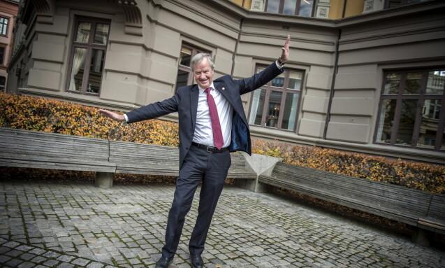 HØYT OG LAVT: Det er tittelen på Bjørn Kjos bok fra 2015 om sin egen og Norwegians kamp for å bli et av verdens største lavprisselskaper - og om den beinharde kampen med SAS. Foto: Øistein Norum Monsen / Dagbladet