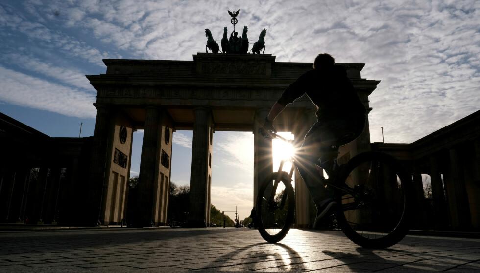 ØKONOMIEN BLØR: Gatene er folketomme i Berlin og andre europeiske storbyer, hoteller og serveringssteder er stengt, turistene uteblir og økonomien blør. Foto: Christian Mang / Reuters / NTB scanpix