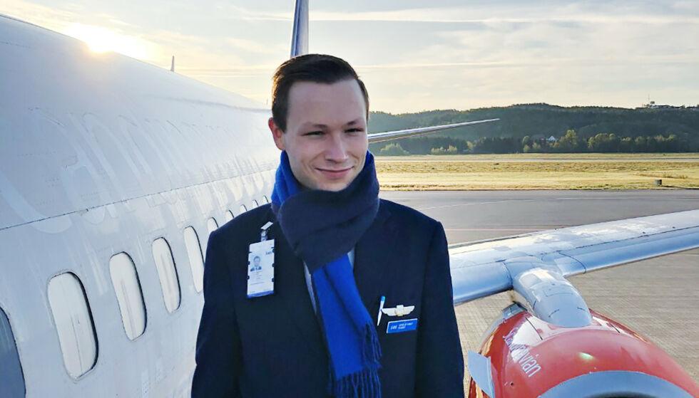 DYSTERT: Vidar Skjevling har jobbet fire år som flyvert i SAS. Nå frykter han å miste det han selv betegner som sin drømmejobb. Foto: Privat