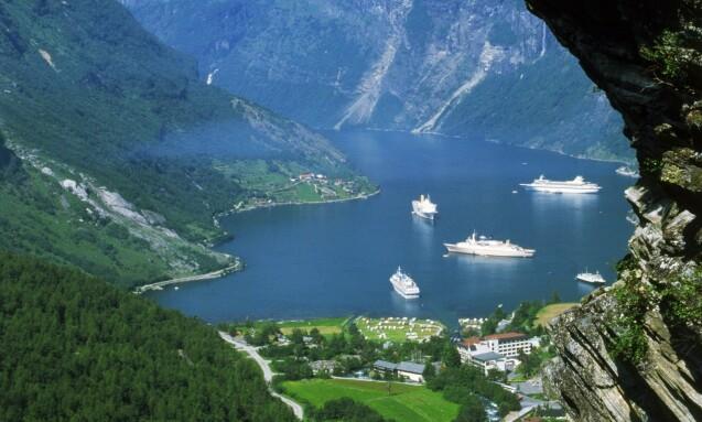 <strong>BRUTAL REDUKSJON:</strong> En av de mest populære destinasjonene for utenlandske turister i Norge er Geiranger. Foto: NTB Scanpix