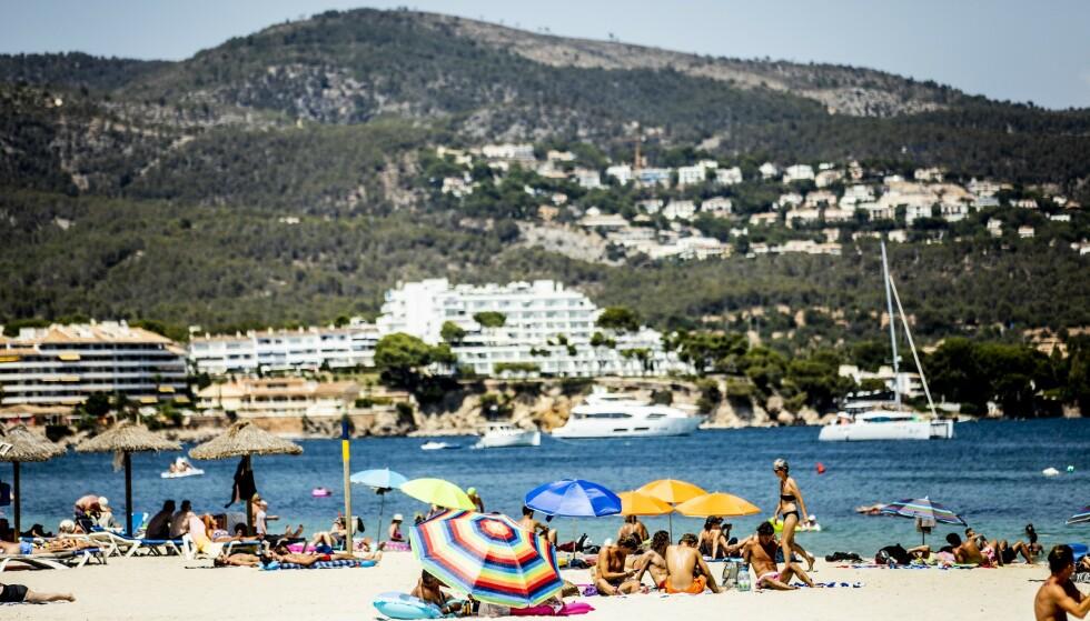 <strong>ÅPNER OPP:</strong> Lokale myndigheter åpner opp for at noen utvalgte turister igjen kan få nye strendene på den spanske ferieøya Mallorca. Foto: Christian Roth Christensen / Dagbladet