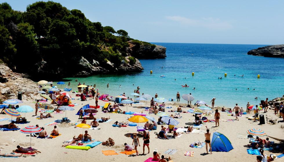 <strong>ÅPNER OPP:</strong> Lokale myndigheter på Mallorca (bildet) har åpnet opp for at utvalgte turister igjen kan få nye strendene på den spanske ferieøya. Mandag kom imidlertid spanske myndigheter med en nedslående beskjed. Foto: John T. Pedersen / Dagbladet
