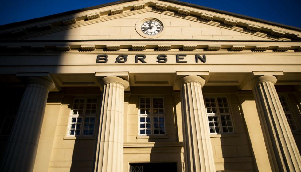 FALLER: Hovedindeksen på Oslo Børs peker i rødt fredag. Foto: Håkon Mosvold Larsen / NTB scanpix