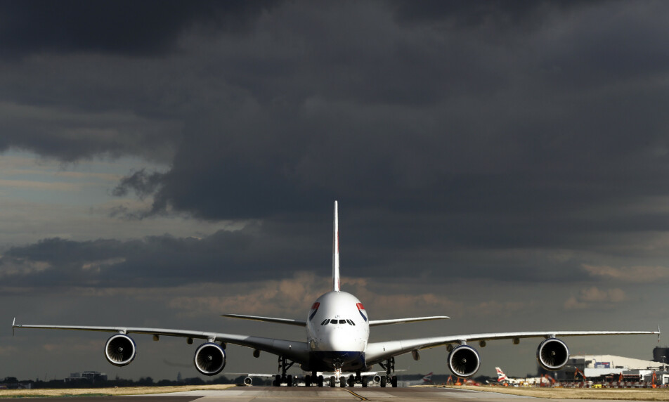TIL SAK: Britiske flyselskap, med British Airways i spissen, går til sak mot landets myndigheter som følge av det nyinnførte kravet om karantene for reisende inn til landet. Foto: Stefan Wermuth / Reuters / NTB Scanpix