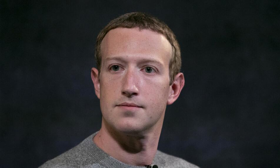 GIGATAP: Mark Zuckerbergs verdi har falt med 70 milliarder kroner etter stor annonsør-boikott på Facebook, skriver Bloomber på lørdag. Foto: AP Photo/Mark Lennihan / NTB Scanpix